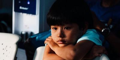 孩子抑郁的原因有哪些?他们为什么不爱与人说话?